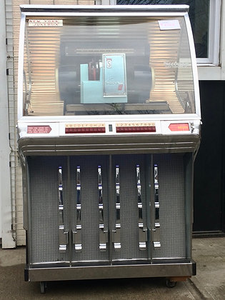 Seeburg HF100R Jukebox (Cabinet 6402)
