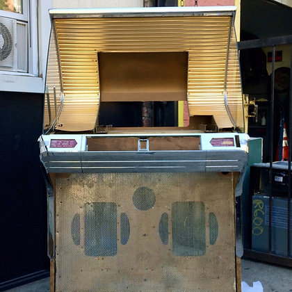 Seeburg HF100R Jukebox (Cabinet 3304)