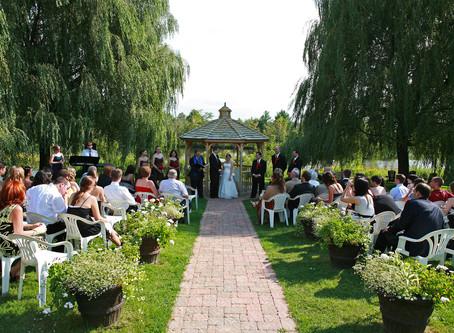 Wedding at Auberge des Gallant in St Marthe Quebec