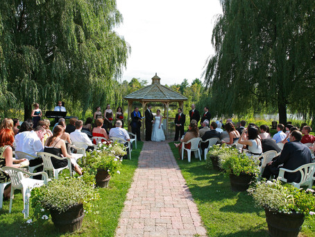 Wedding at Auberge des Gallant in St Marthe Quebec