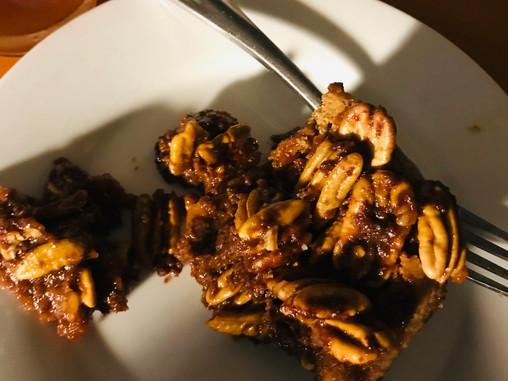 Pecan bars, w/leaf lard Caramel