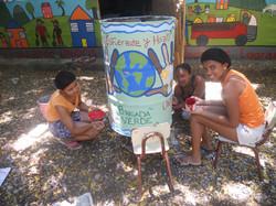 Brigada Verde Donates a Trash Can
