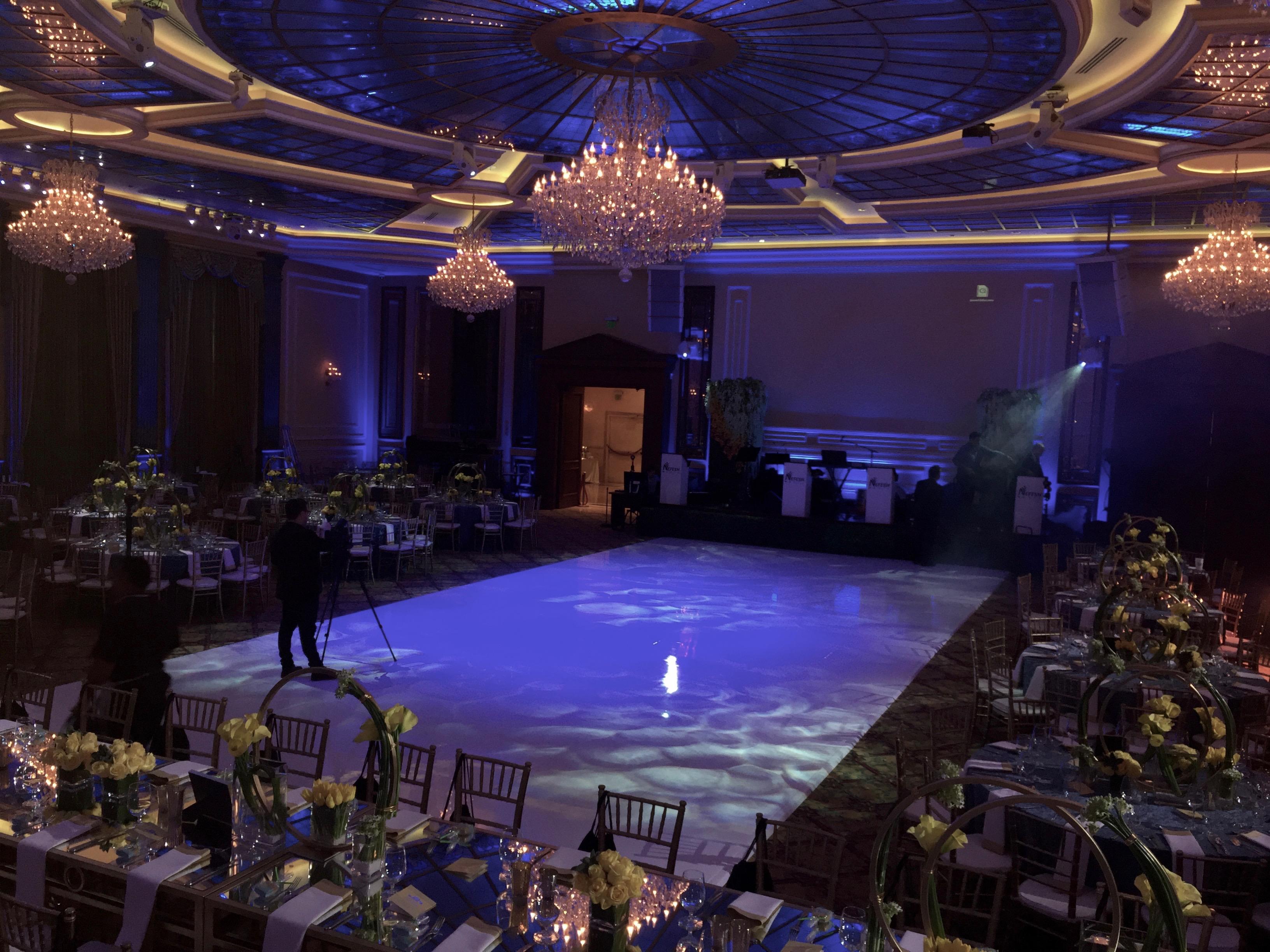 White Seamless Dancefloor