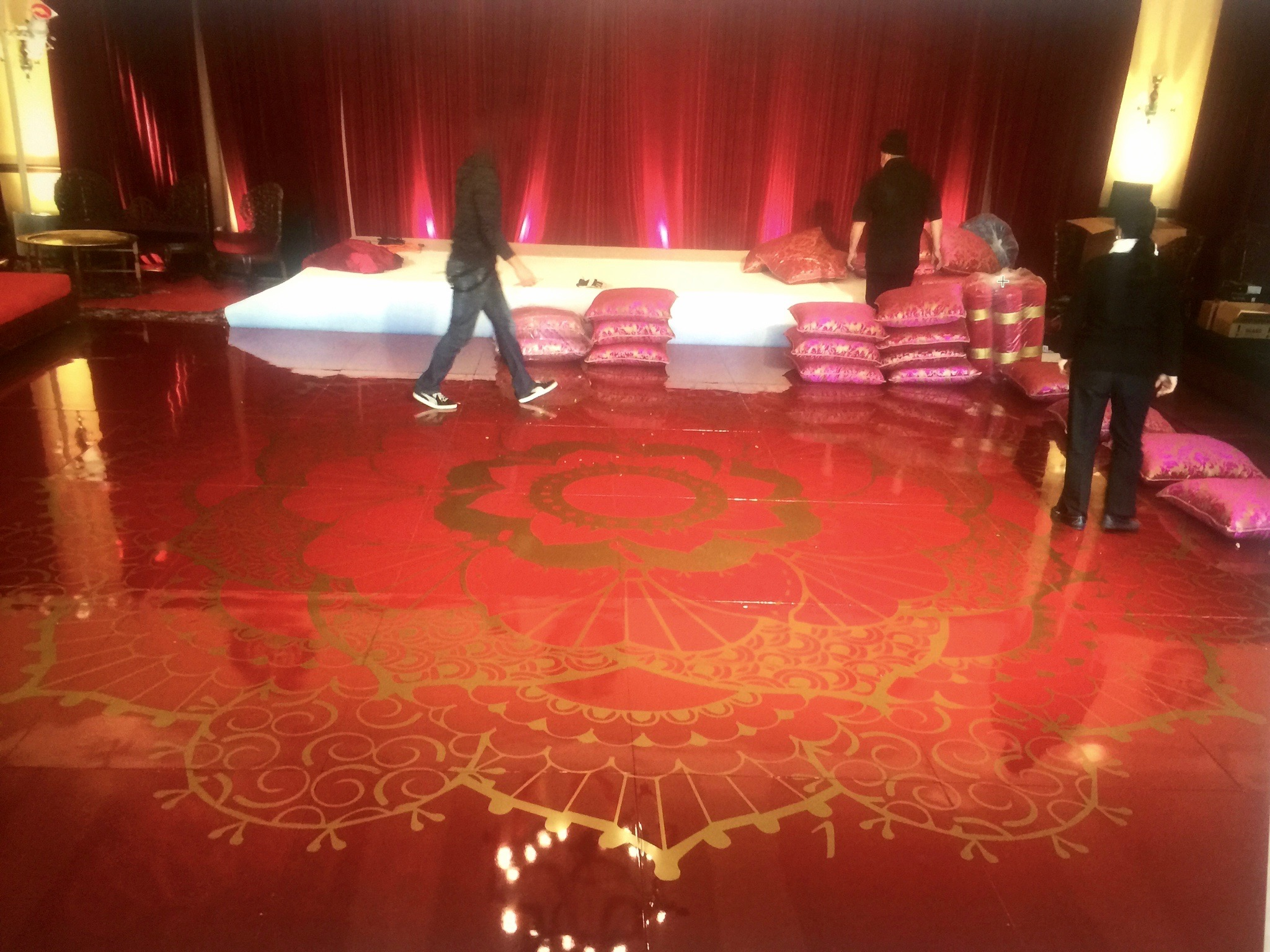 Red Seamless Dance Floor w/ Decal