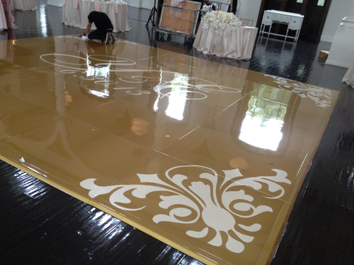 Gold Seamless Dance Floor w/ Decal