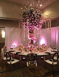 Dior Table (O-Shape)