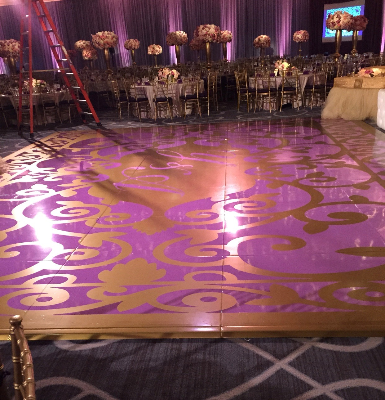 Gold Dance Floor w/ Decal