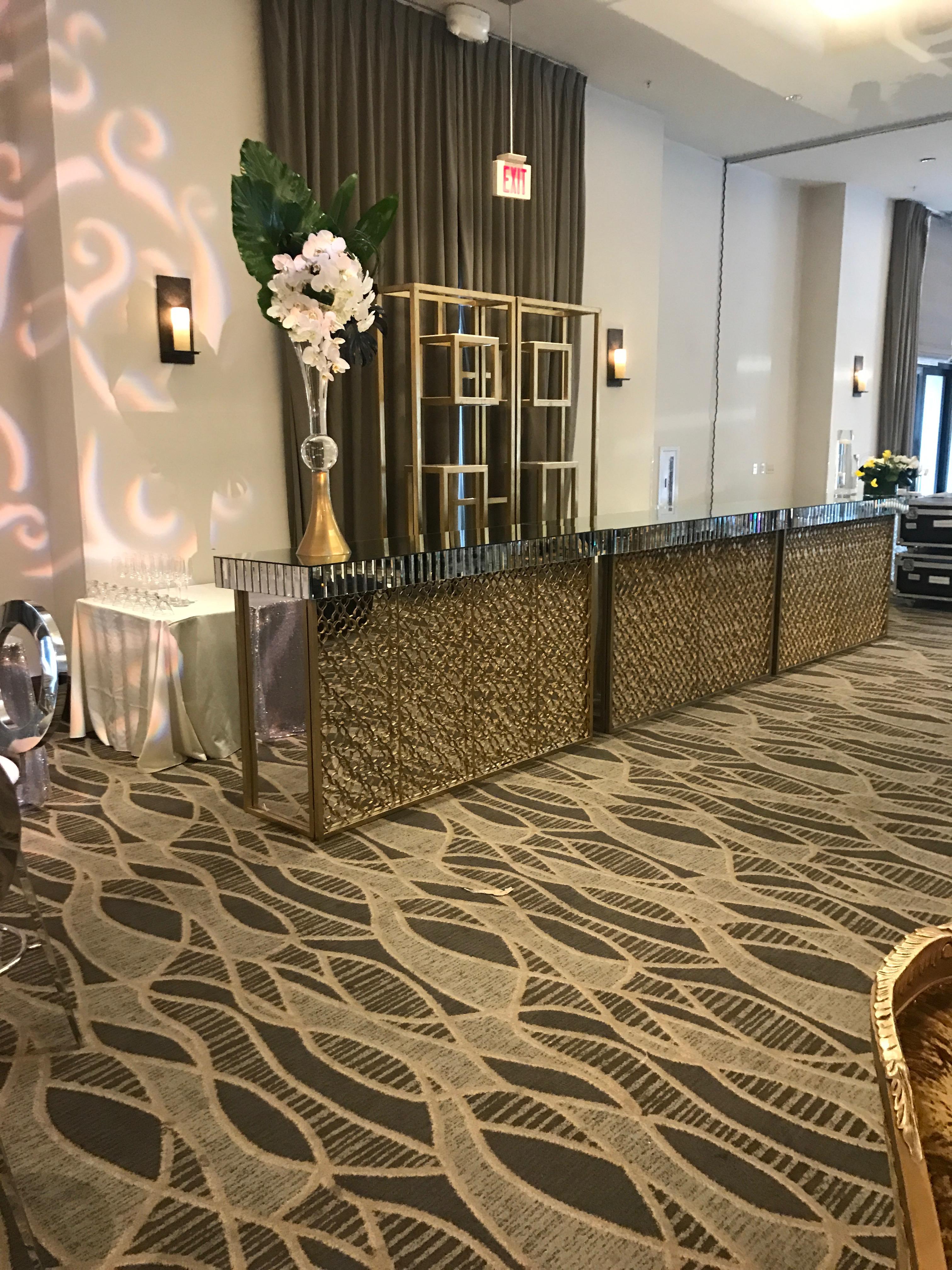 Gatsby Rectangle Bar