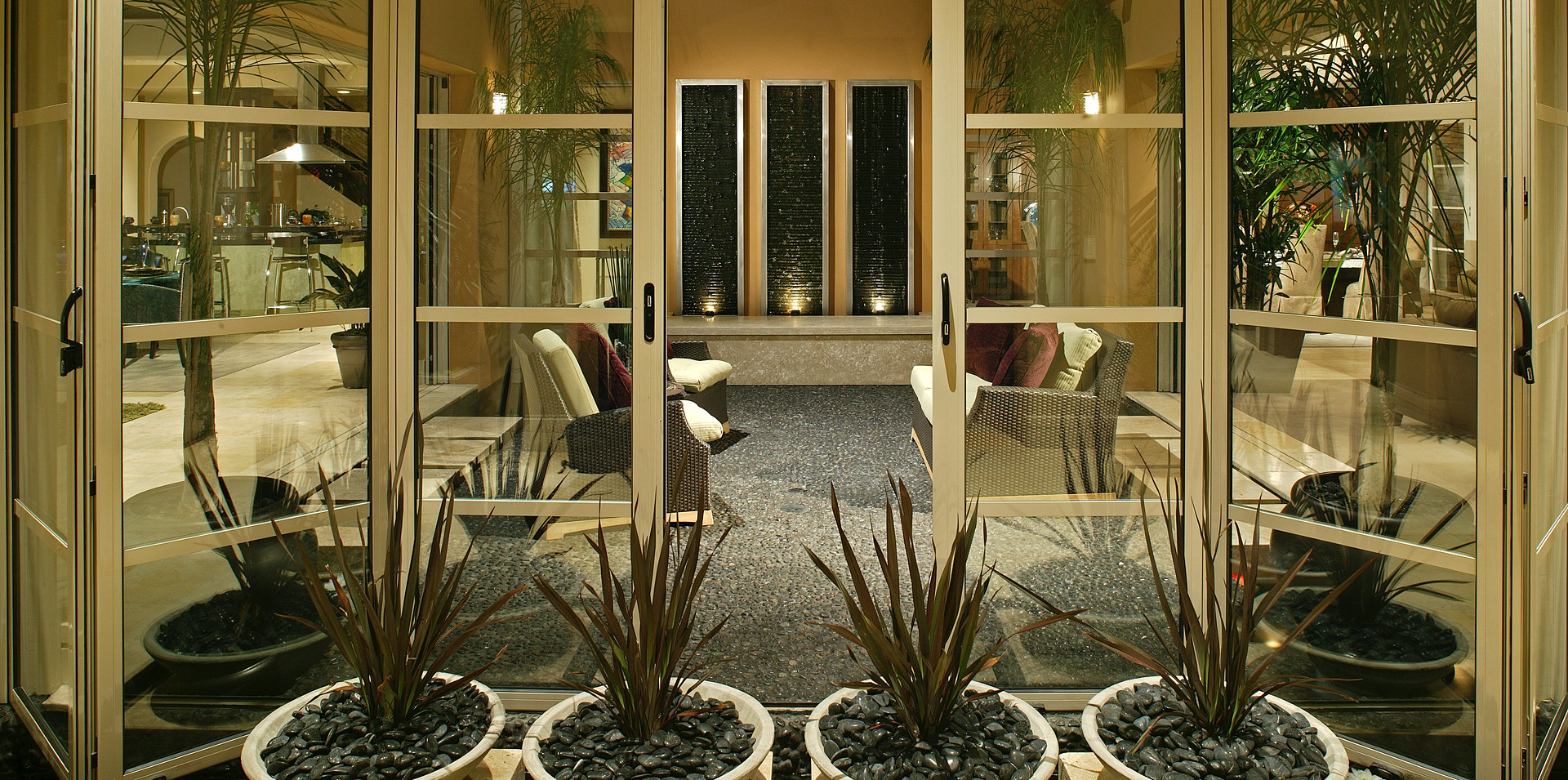 Courtyard View-01.jpg