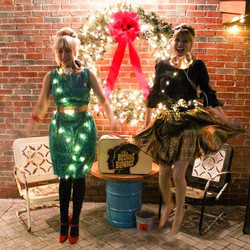 The Beehive Blondes are just a _tad_ excited to get all festive 🎄 & have some FUN with you all on t