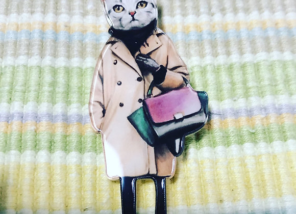 Perspex brooch shopping cat