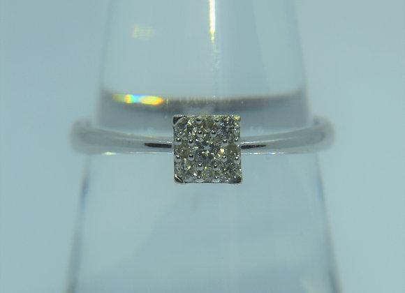 9ct White Gold and Diamond Ring