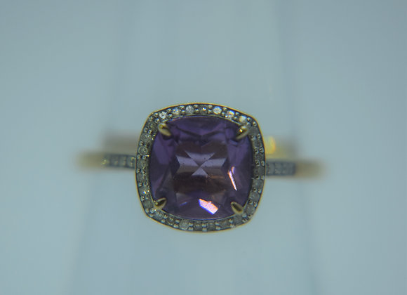 Gold Vintage Ring with Square Purple Stone