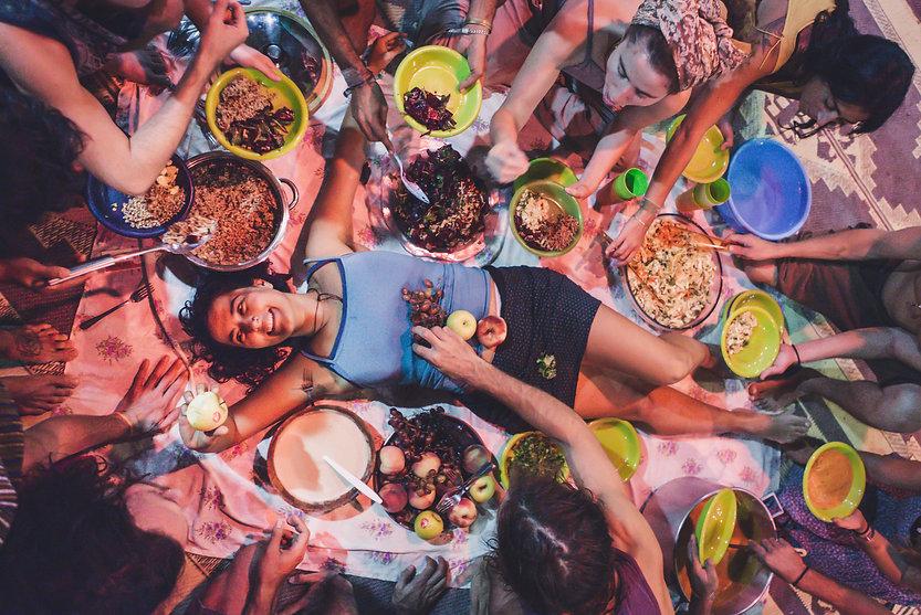 סעודת מכשפע באיסתא.jpg
