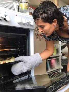 מכשפע בודקת את התנור בקיסריה 2020