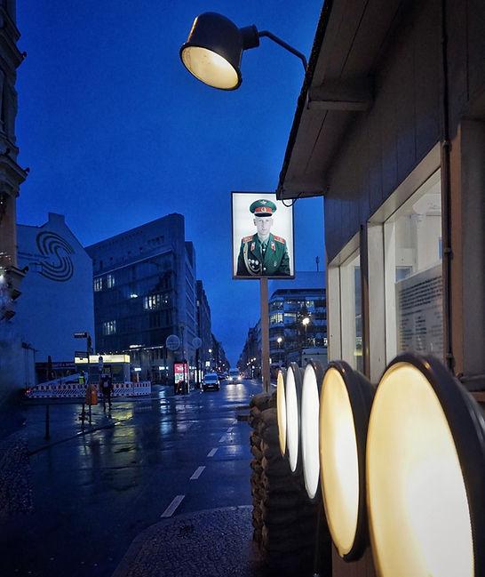 Checkpoint Charlie, Berlin, kalter Krieg, Lars Hauck