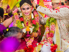 thaali tying moment of indian bride and groom malaysia