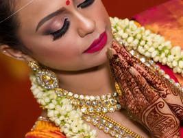 malaysia indian bride praying malaysia