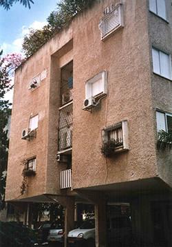 שיפוץ חזית  בית מגורים ברעננה - לפני