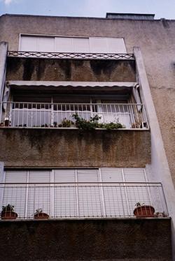 שיפוץ חזית בית מגורים - לפני