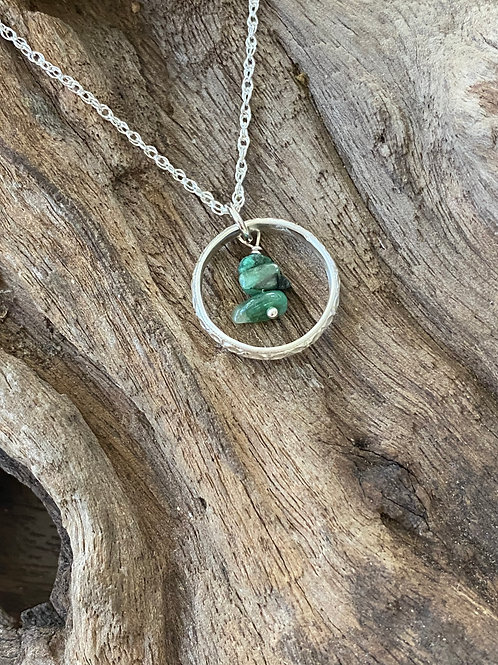 Birthstone pattern circle necklace May - Sterling silver, Emerald Gemstone