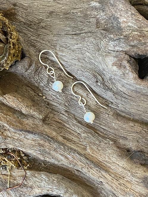 Birthstone earrings June - Sterling silver, Freshwater Pearl