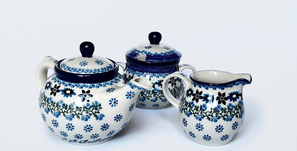 Tea set in Sweet Maria