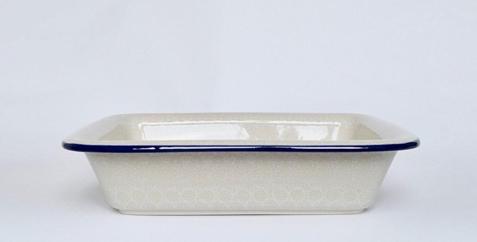 Medium Lipped Baking Dish in White Trellis