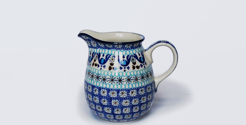 Polish pottery United Kingdom. Artisan homeware UK. Decorative interiors UK. Responsible homeware.