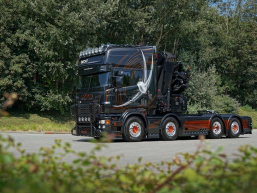 [Galerie photo] Le R500 V8 noir de Wouter Debruyne élu « plus beau Scania de Belgique »