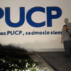 Estudiando los diplomados de la PUCP