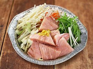 鮪のカマトロ葱鮪鍋.jpg