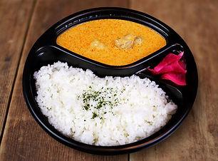 チキンとジャガイモのマッサマンカレー.jpg