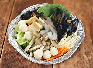 魚介ときのこのラクサ風カレー鍋.jpg