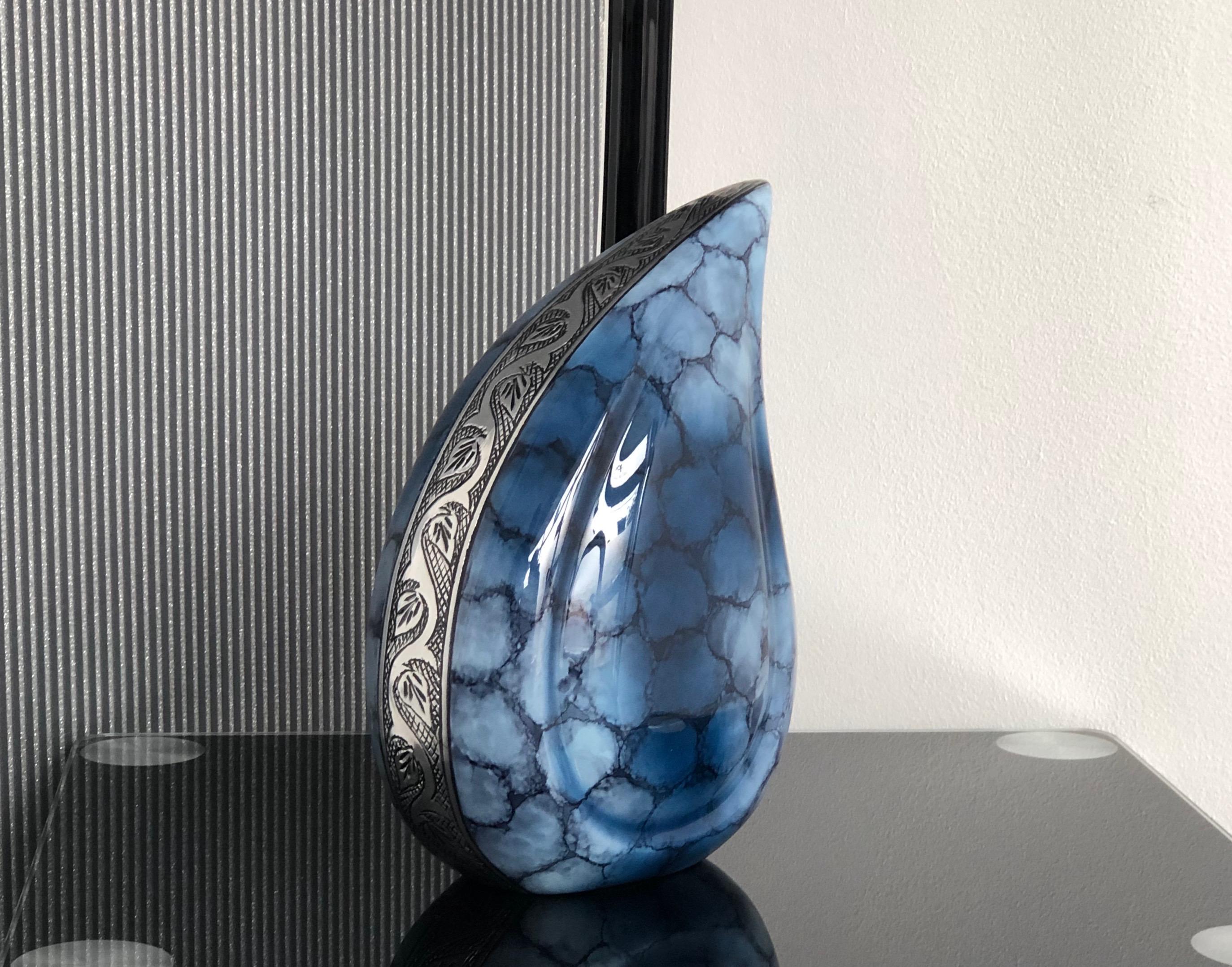 Scaled Urn
