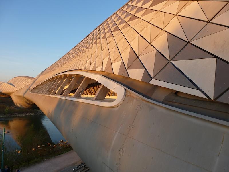 El Pabellón puente de la Expo 2008