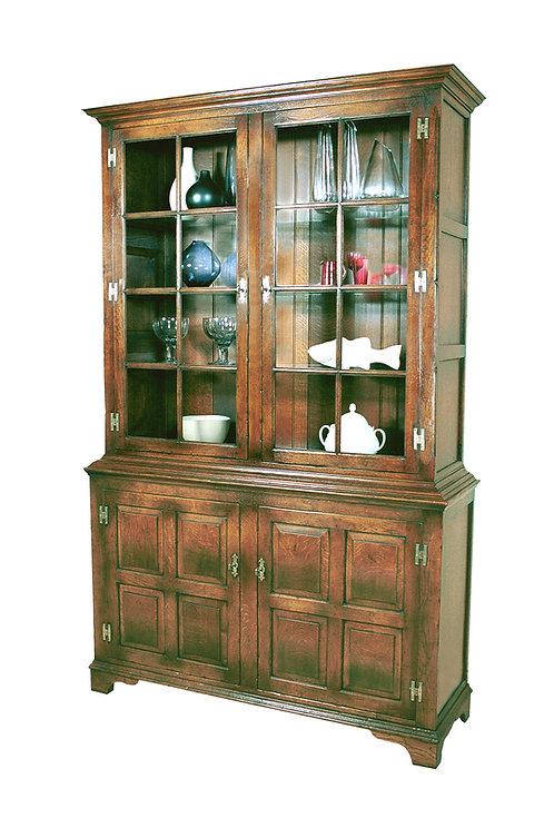 TL726 Pepys cabinet with glass shelves and inside lights