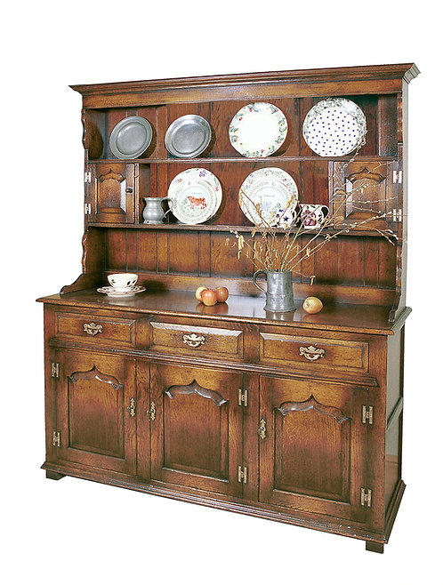 TL52G Welsh dresser with 3 cupboards and 3 drawers