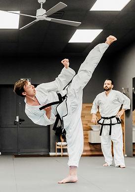 KampfkunstschulePoing_Erwachsene_2021_0484.jpg