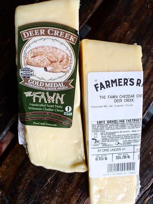 Fawn Cheddar Cheese, Deer Creek, 4 oz.
