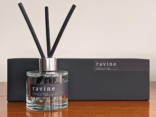 ravine diffuser - geranium, midnight violet and incense