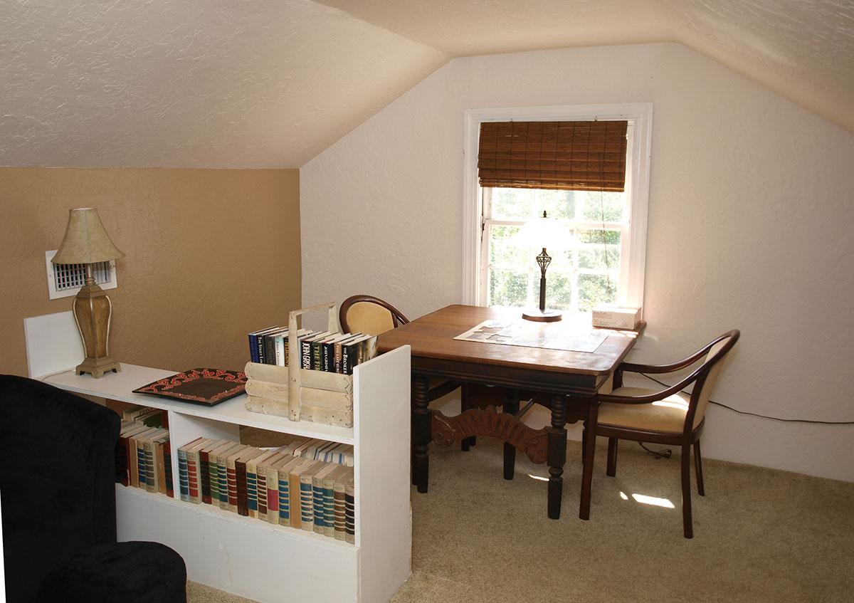 Bedroom 4 Sitting Area