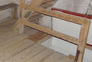 Denkmalpflege - Treppe / Boden Holz nachher