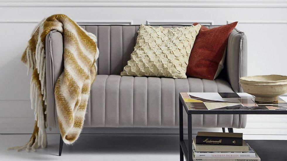 Graues Samt Sofa