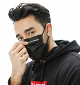 black kalorcare curved face mask.jpg