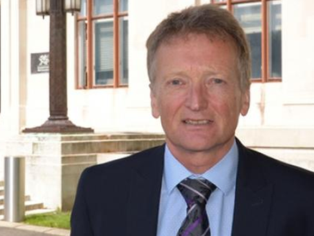 £190,000-a-year Chief Medical Officer for Wales given a week's holiday by Welsh Government