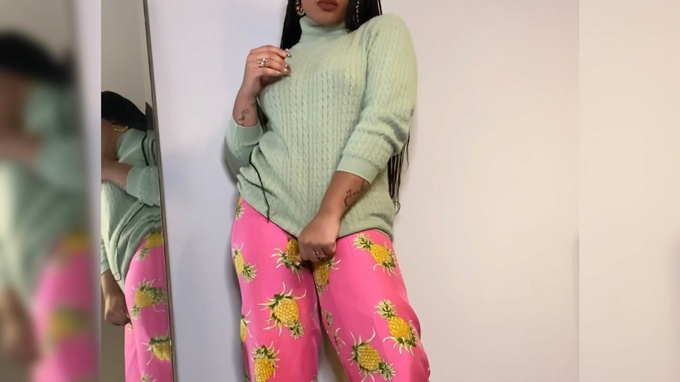 Pineapple pants size 6