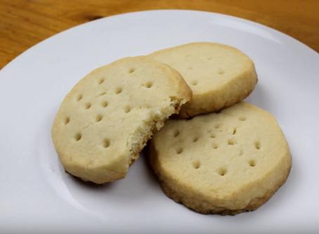 "Crunchyroll #100: Tea and Cookies from ""Gun Gale Online"""