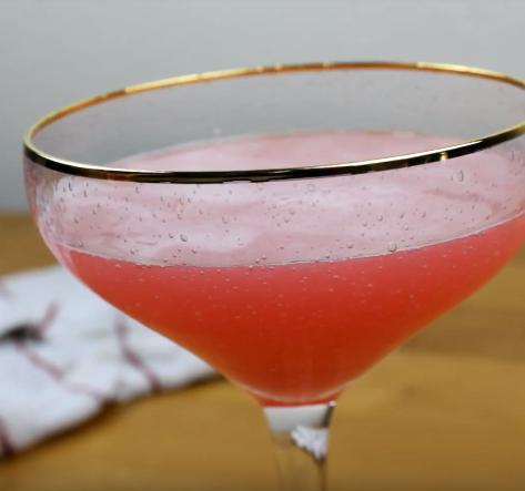 "Crunchyroll #91: Million Dollar Cocktail from ""Hinamatsuri"""