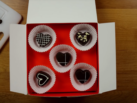 """Crunchyroll #122: Hestia's Valentine's Chocolates from """"Is It Wrong To Pick Up Gir"""